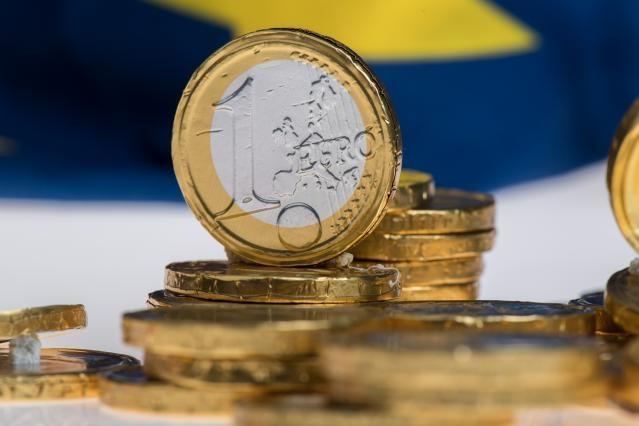 euro su bandiera Ue